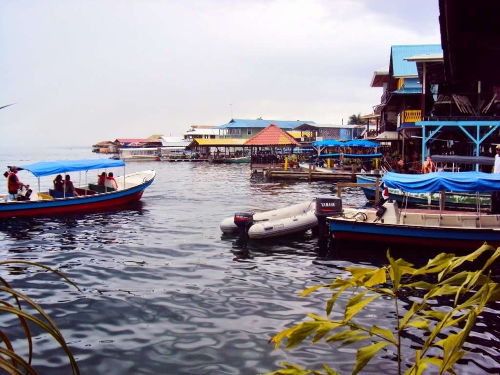 Water taxis pulling into Bocas del Toro